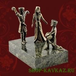 Танец трио, статуэтка