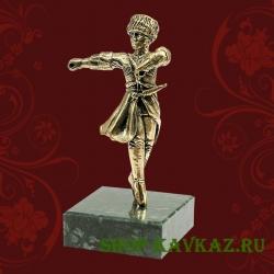 Горец - лезгинка, статуэтка на камне